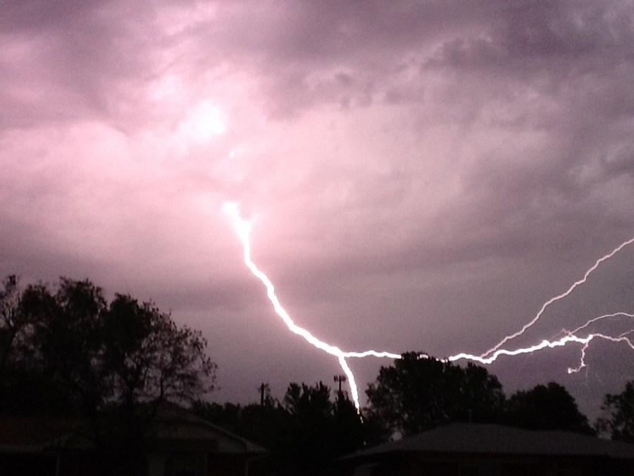 Yukon lightning - Kelli Hughes
