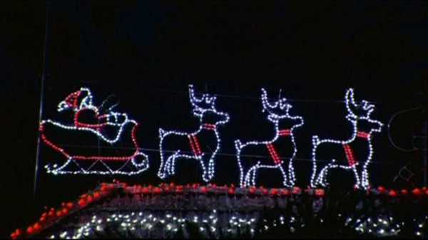 Sets Record For Most Holiday Lights