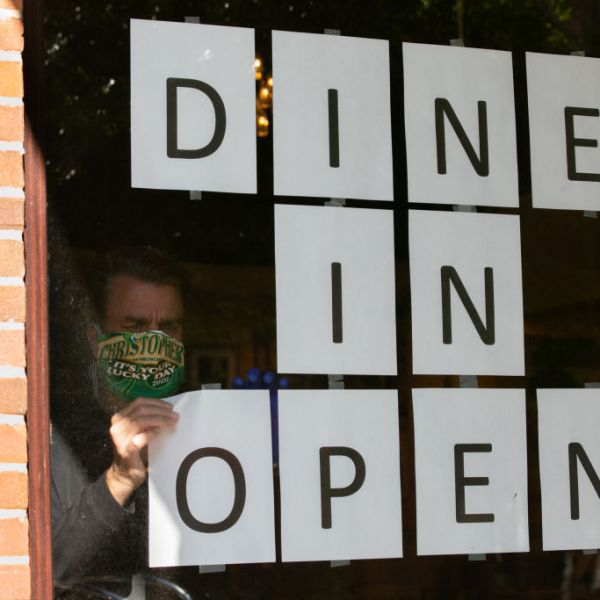 Dine in open sign