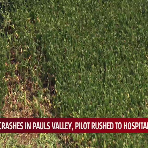 Plane crashes in Pauls Valley