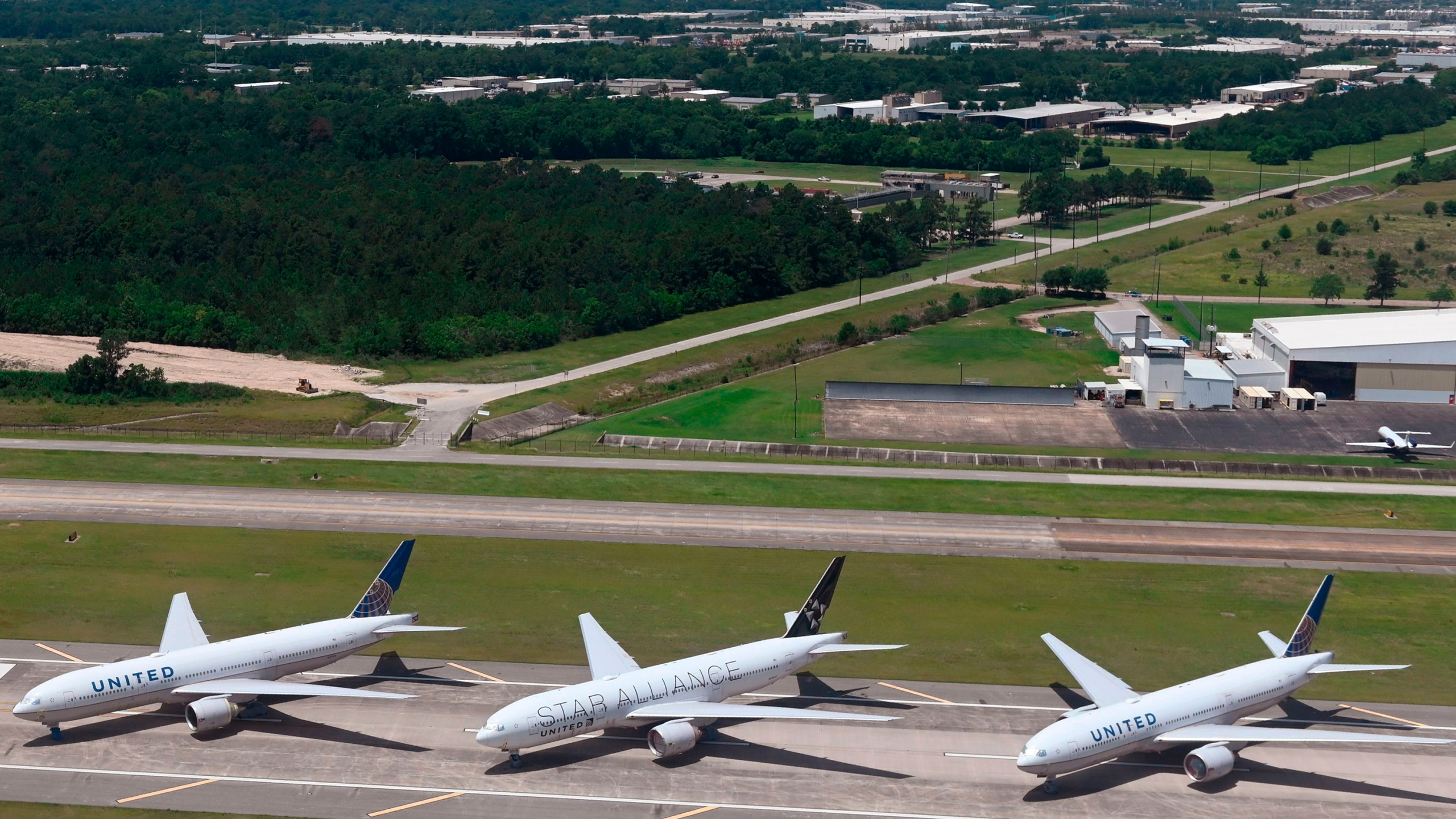 United Airlines planes are parked at George Bush International Airport in Houston, Texas on June 10, 2020. (Photo by ANDREW CABALLERO-REYNOLDS / AFP) (Photo by ANDREW CABALLERO-REYNOLDS/AFP via Getty Images)
