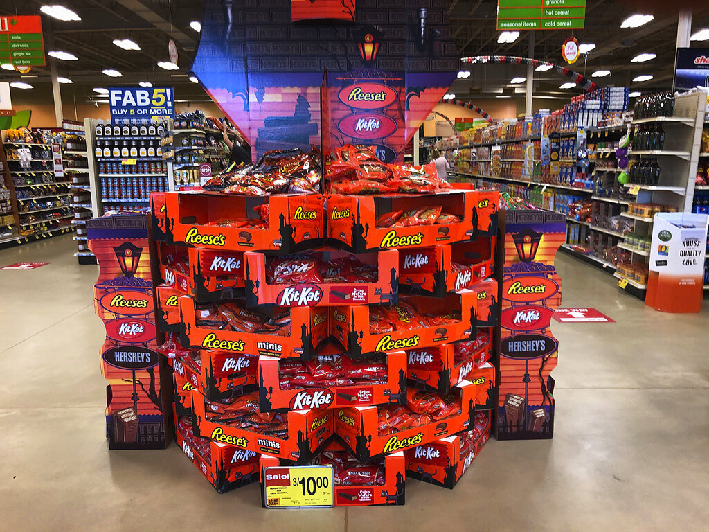 2020 Halloween Treak Or Treat Duncan Ok Americans load up on Halloween candy while waiting to see if trick