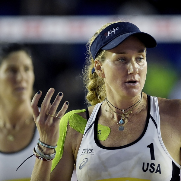 ITAPEMA, BRAZIL - MAY 18: Kerri Walsh Jennings and Nicole Branagh of United States in action during the main draw match against Carolina Solberg Salgado and Maria Antonelli of Brazil at Meia Praia Beach during day one of the FIVB Beach Volleyball World Tour Itapema on May 18, 2018 in Itapema, Brazil. (Photo by Alexandre Loureiro/Getty Images)