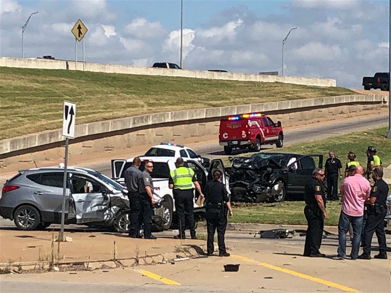 Stolen vehicle crash near I-35