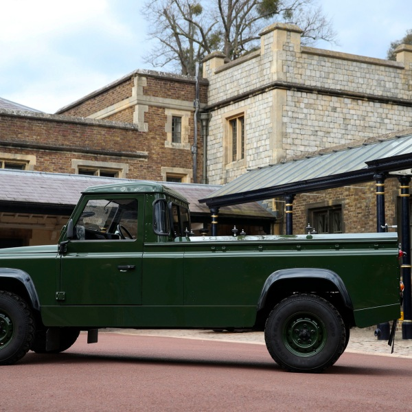 image of a land rover