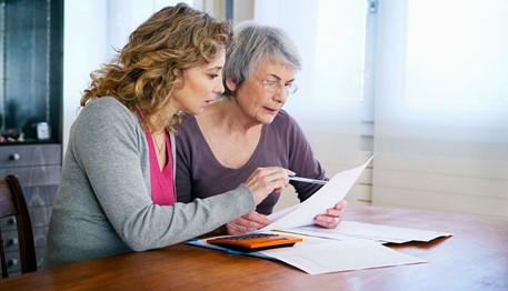 4 Seniors-Helping your elderly parent with finances