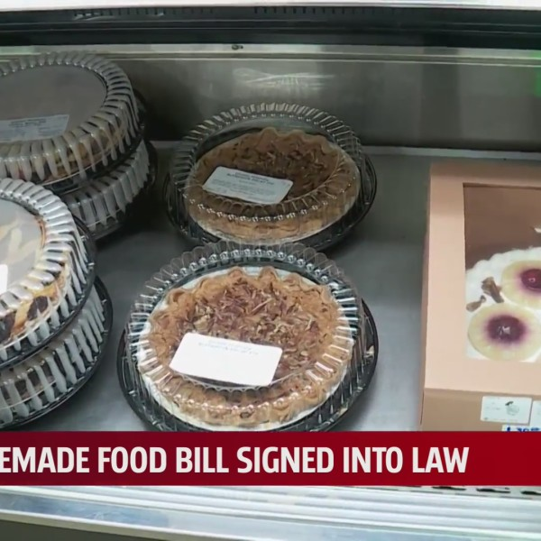 Measure that allows home bakers to sell goods in stores signed into law