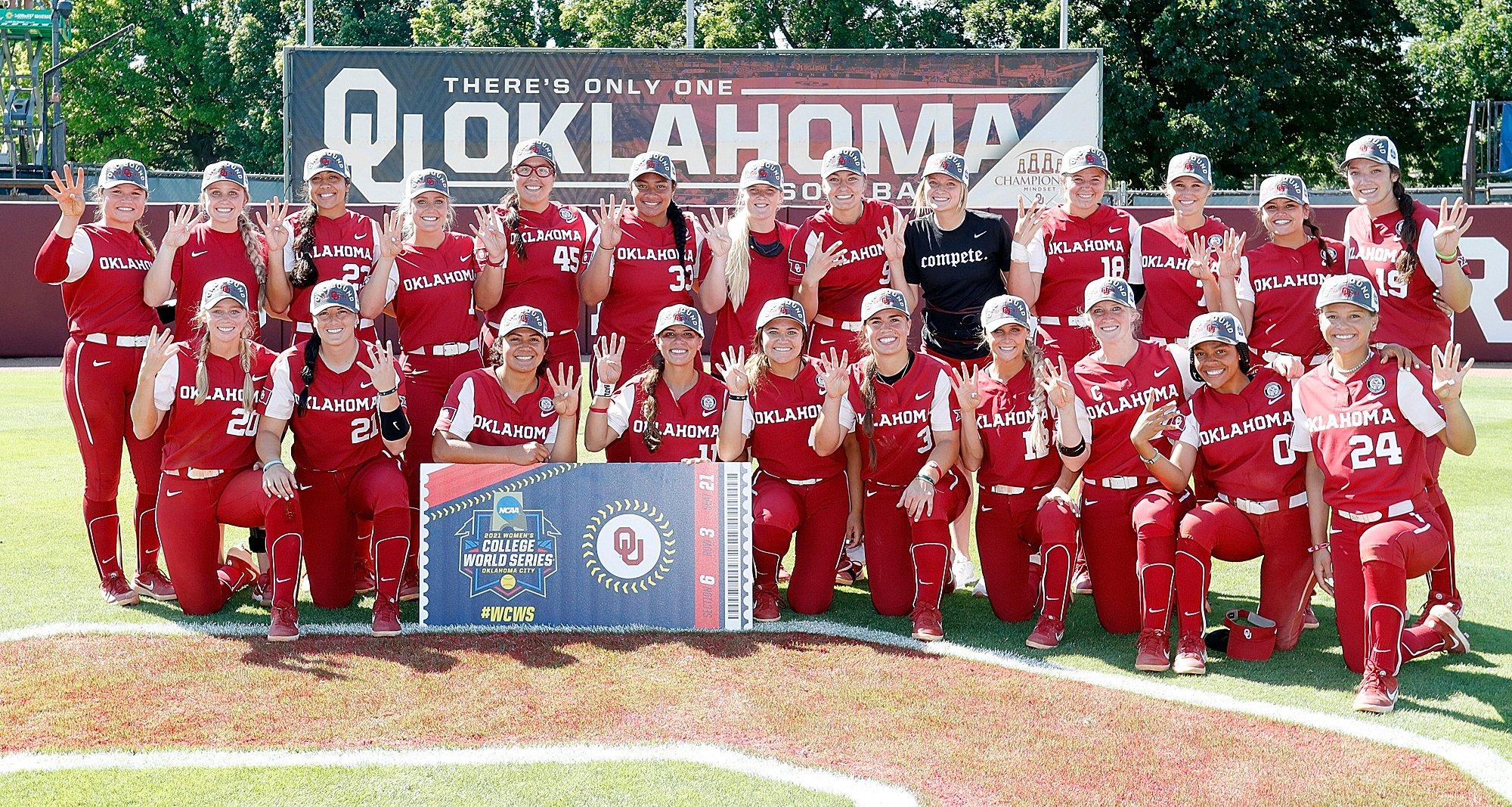 image of ou softball team 2021