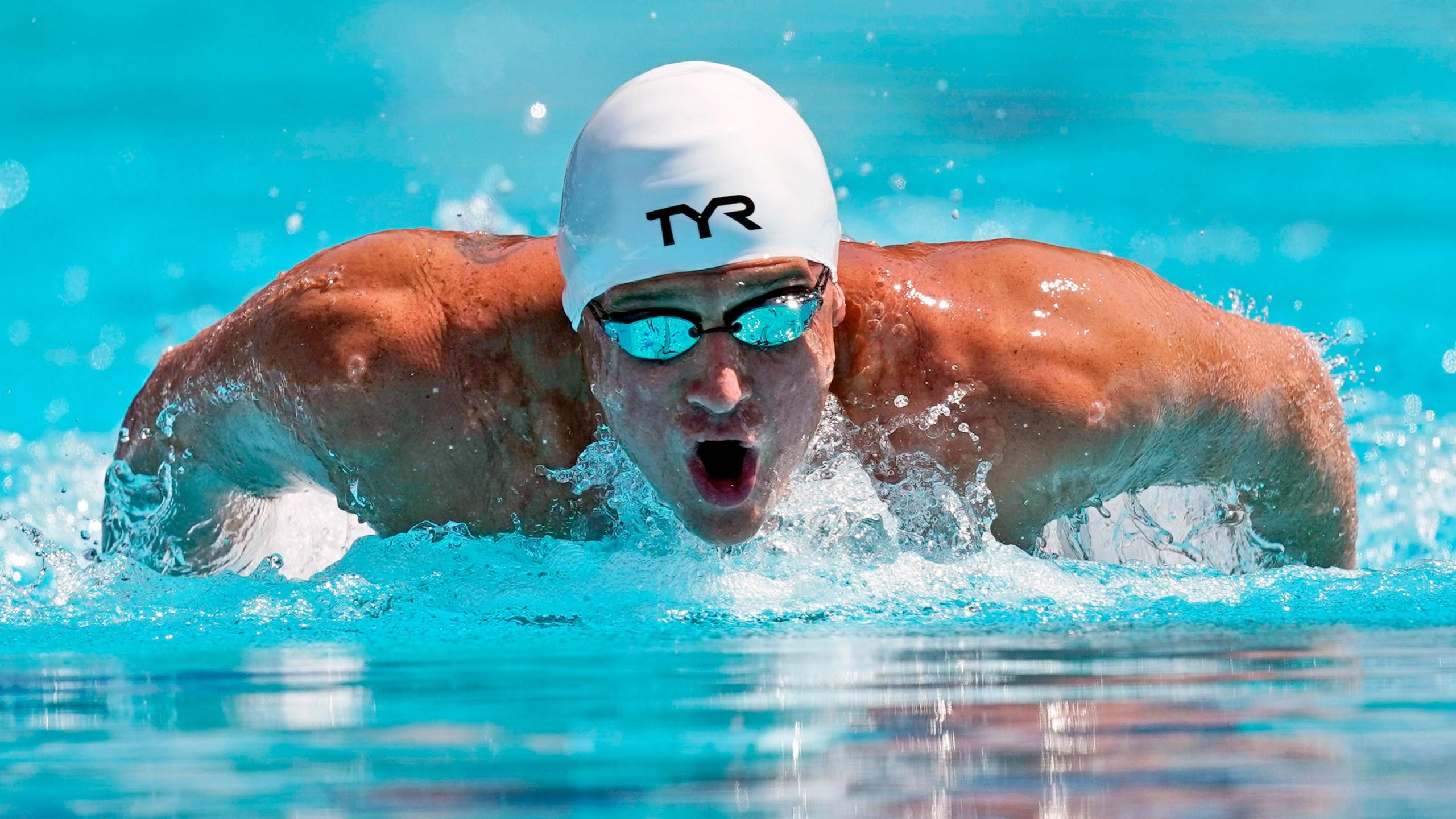 image of Ryan Lochte swimming