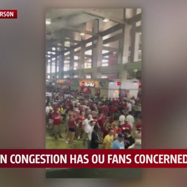 video shows long lines at OU stadium concession stands during their game against nebraska
